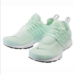 Nike Shoes - Nike Air Presto (Mint Green)